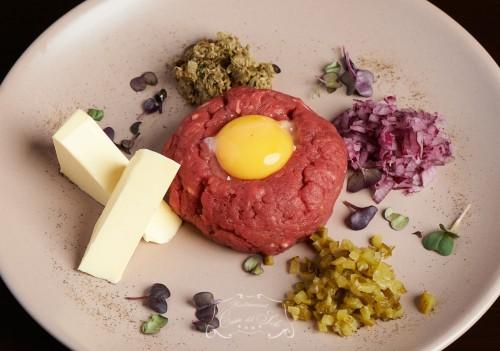 Livram la domiciliu Biftec tartar in Timisoara