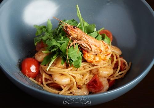 Spaghete cu creveti si rucola