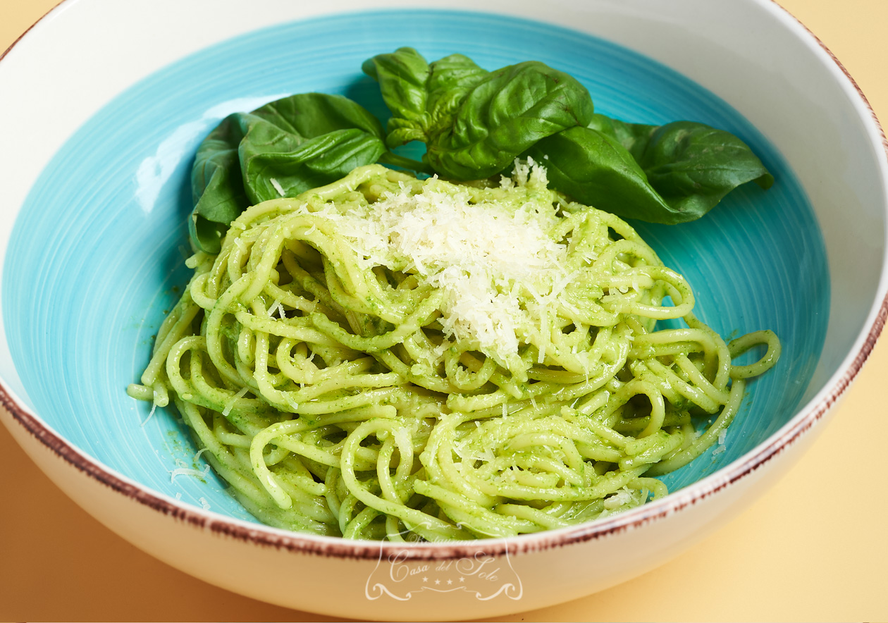 Spaghete al pesto