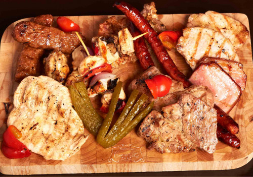 Livram la domiciliu Platou Mixt Grill (pentru 2 persoane) in Timisoara