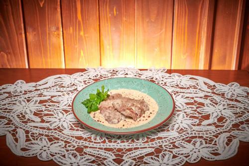 Vitel in sos de cascaval 0.8 kg livram acasa ori la birou in Timisoara