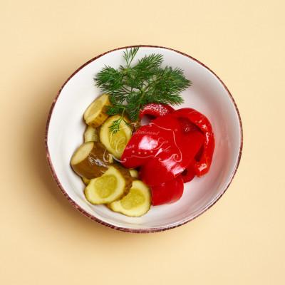 Salata de muraturi 0.6 kg livram acasa ori la birou in Timisoara